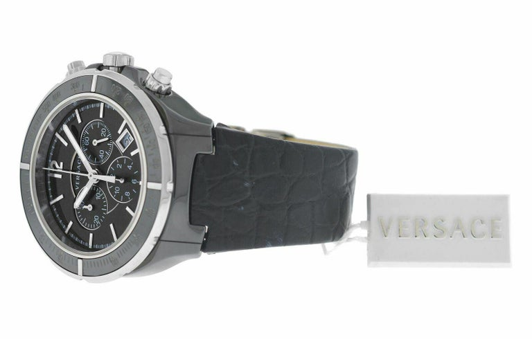 Men's Versace DV One 28CCS9D008 S009 Steel Ceramic Chrono Quartz Watch In New Condition For Sale In New York, NY