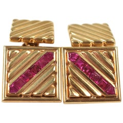 Men's Vintage 14-Karat Yellow Gold and Ruby Cufflinks