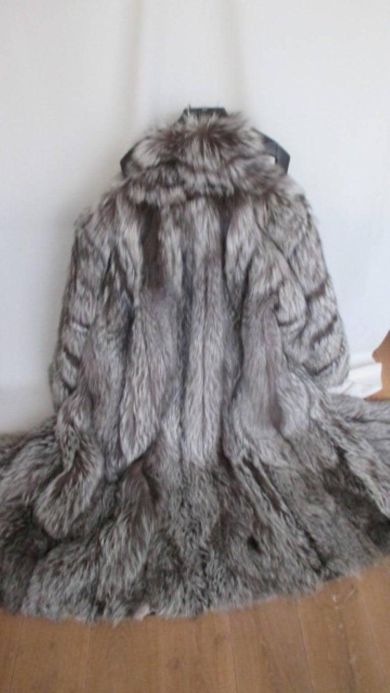 d7bcacc01c Men's or Women's long silver fox fur coat For Sale at 1stdibs