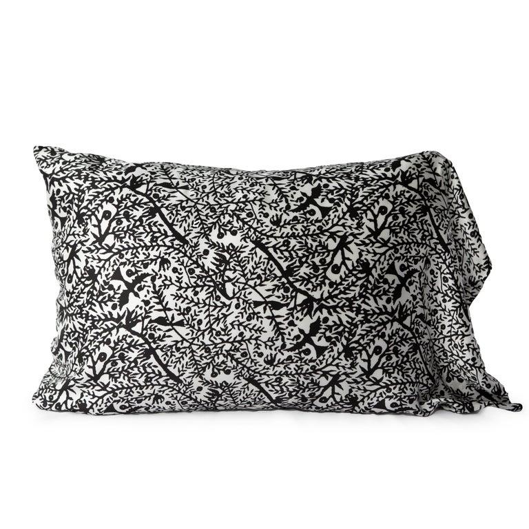 Merino Black King Size Blanket with Grey Print Border by JG SWITZER For Sale 4