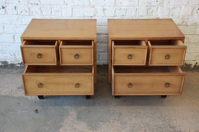 Merton Gershun for American of Martinsville Mid-Century Modern Nightstands, Pair For Sale 1