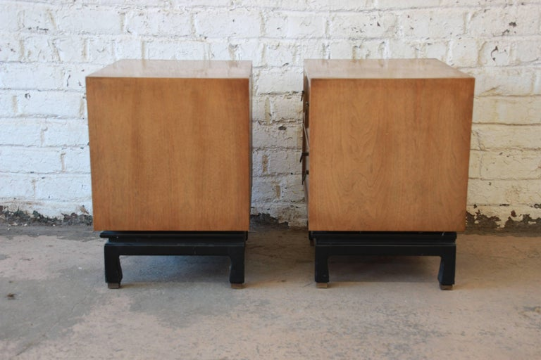 Merton Gershun for American of Martinsville Mid-Century Modern Nightstands, Pair For Sale 2