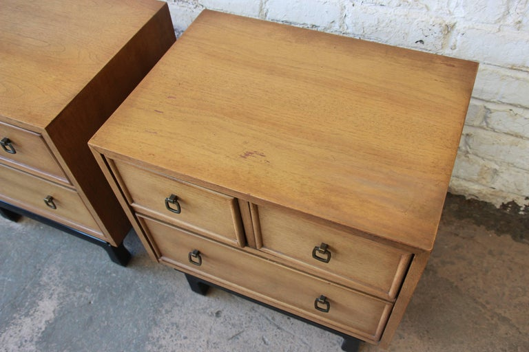 Merton Gershun for American of Martinsville Mid-Century Modern Nightstands, Pair For Sale 4