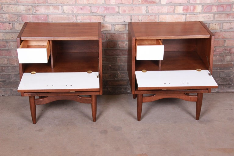 Merton Gershun for American of Martinsville Walnut Nightstands, Newly Restored For Sale 6