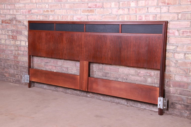 Merton Gershun for Dillingham Mid-Century Modern Walnut King Size Headboard In Good Condition For Sale In South Bend, IN