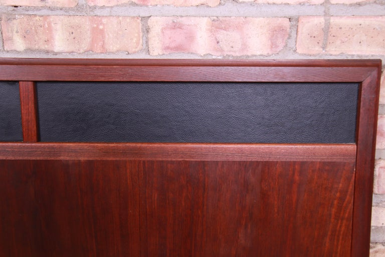 Merton Gershun for Dillingham Mid-Century Modern Walnut King Size Headboard For Sale 2