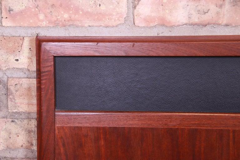 Merton Gershun for Dillingham Mid-Century Modern Walnut King Size Headboard For Sale 3