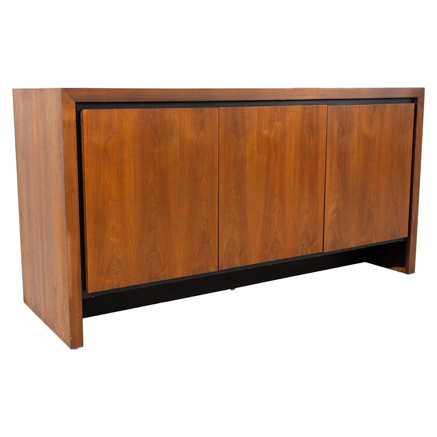 Dillingham Manufacturing Company Credenzas