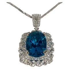 Mesmerizing Custom Made 11.11 Carat Oval Apatite 3.8 Carat Diamond Necklace