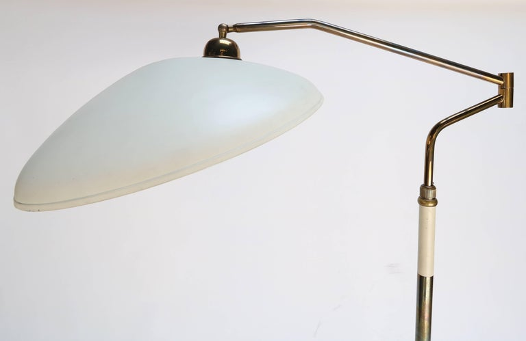 Mid-20th Century Metal and Brass 1960s Floor Lamp in the Style of Stilnovo For Sale