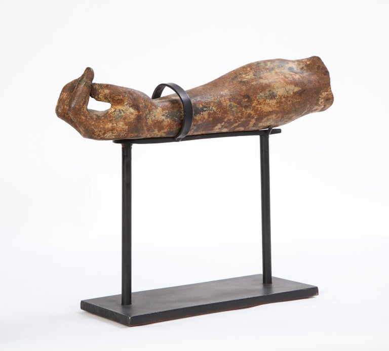 Metal Arm Fragment on Metal Stand, 20th Century For Sale 8
