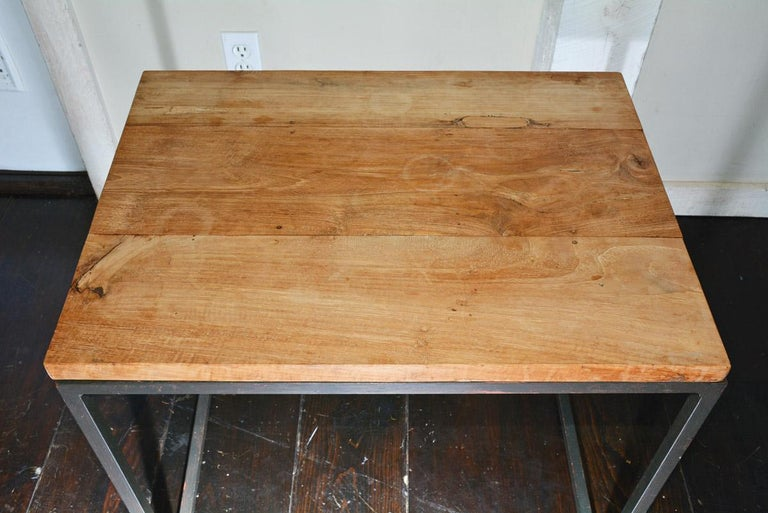 Metal Frame Geometric Cube Table In Good Condition For Sale In Great Barrington, MA