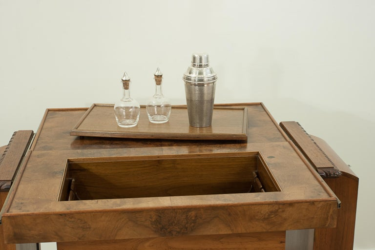 Mid-20th Century Metamorphic Drinks Table or Trolley, Cocktail Cabinet in Walnut For Sale