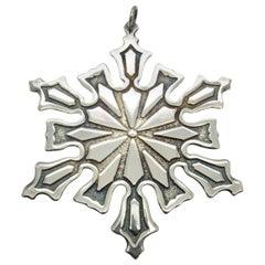 Metropolitan Museum of Art 1977 Silver Snowflake Ornament