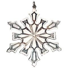 Metropolitan Museum of Art 'MMA' Snowflake Ornament, 1977