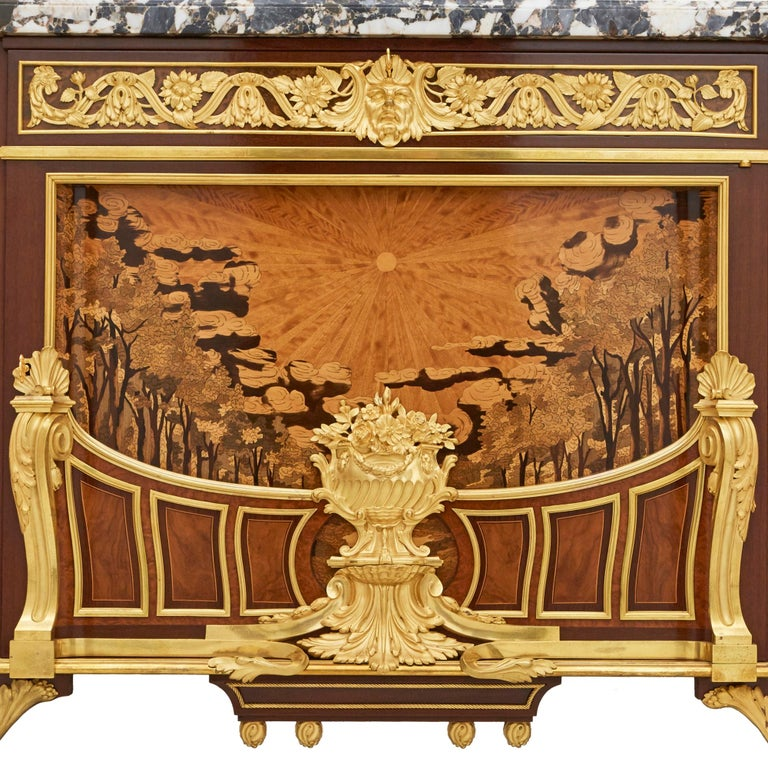 'Meuble Soleil', Gilt Bronze-Mounted Marquetry Commode by Francois Linke In Good Condition For Sale In London, GB