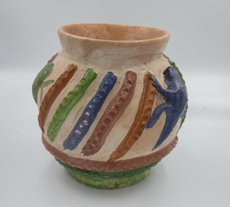 Mexican Antique Dolores Porras Clay Pottery Folk Art Terracotta Vessel Vase In Good Condition For Sale In Queretaro, Queretaro