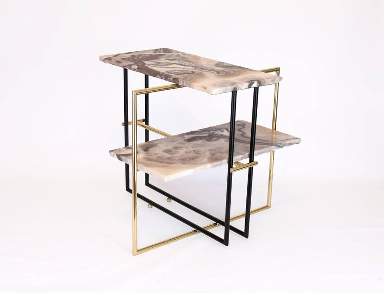 Mexican Onyx Stone and Brass UÑA Side Coffee Table Design by Nomade Atelier In New Condition For Sale In Mexico City, CDMX
