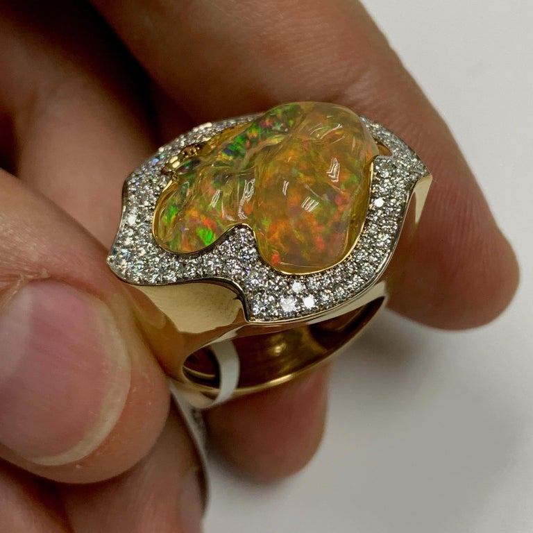 Mexican Opal 10.6 Carat Diamonds One of a Kind 18 Karat Yellow Gold Ring For Sale 4