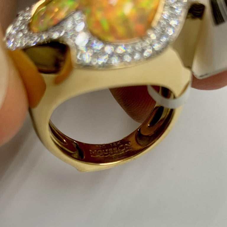 Mexican Opal 10.6 Carat Diamonds One of a Kind 18 Karat Yellow Gold Ring For Sale 3