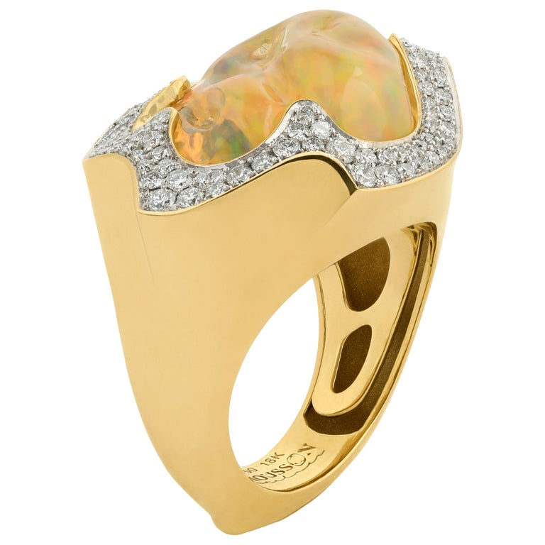 Mexican Opal 10.6 Carat Diamonds One of a Kind 18 Karat Yellow Gold Ring For Sale