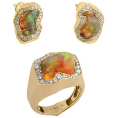 Mexican Opal Diamonds One of a Kind 18 Karat Yellow Gold Suite