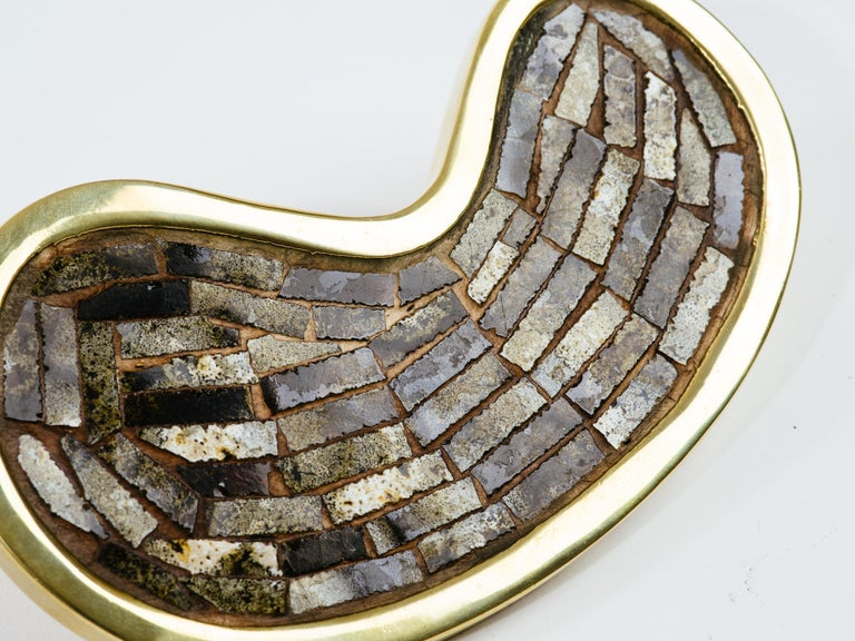 Mexican kidney shape stone inlay brass door handle attributed to Pepe Mendoza, circa 1970s. Stamped MEXICO on back.
