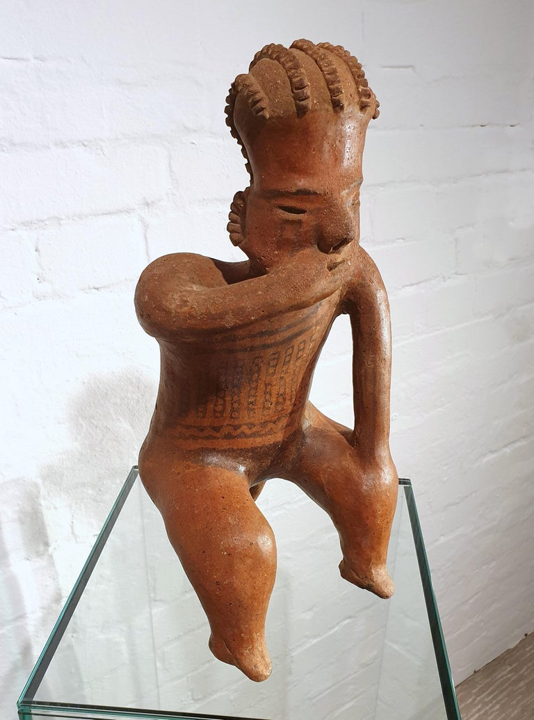 Mexican Tribal Red Clay Figure In Good Condition For Sale In London, GB