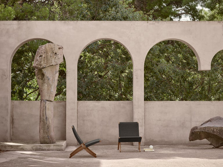 Danish MG501 Cuba Outdoor Chair in Charcoal by Morten Gøttler For Sale