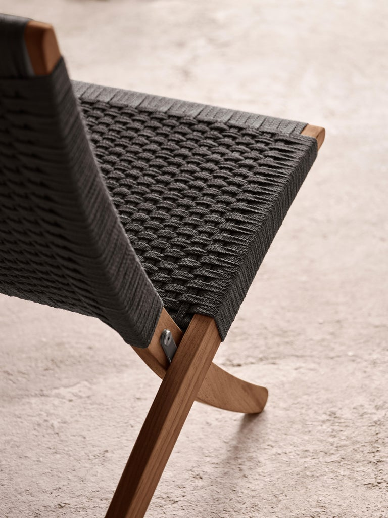 MG501 Cuba Outdoor Chair in Charcoal by Morten Gøttler In New Condition For Sale In New York, NY
