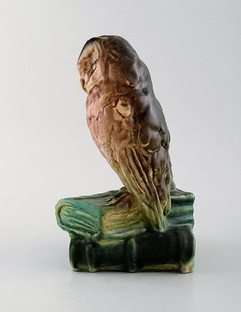 Michael Andersen. Rare figure in glazed ceramics. Two owls sitting on books, 1940s. Measures: 20.5 x 13 cm. In very good condition. Stamped. Model number: 322.