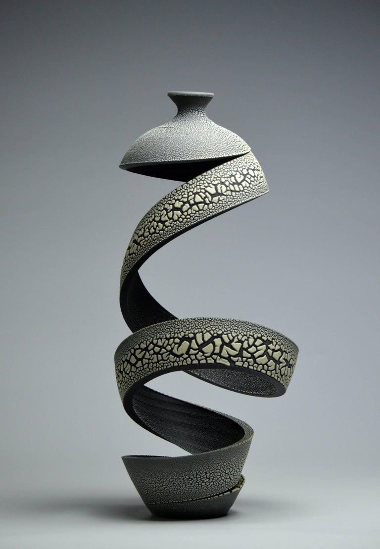 Michael Boroniec Abstract Sculpture - Ribbon: Crawl III