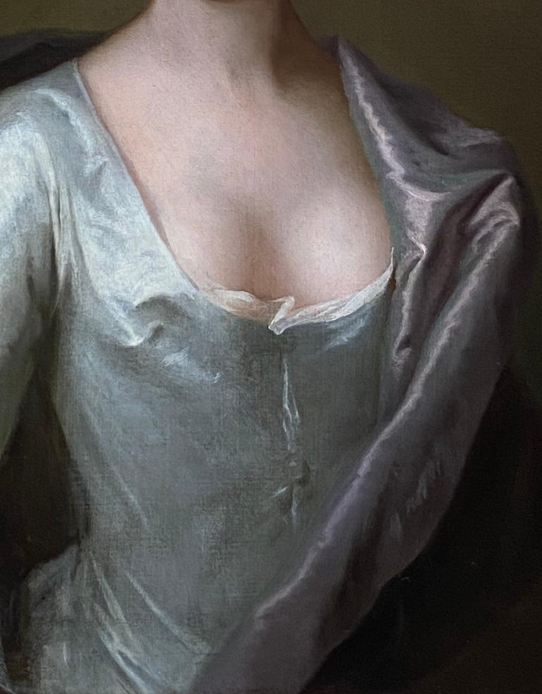 EARLY 18TH CENTURY ENGLISH PORTRAIT OF A LADY IN A WHITE SILK DRESS. For Sale 6
