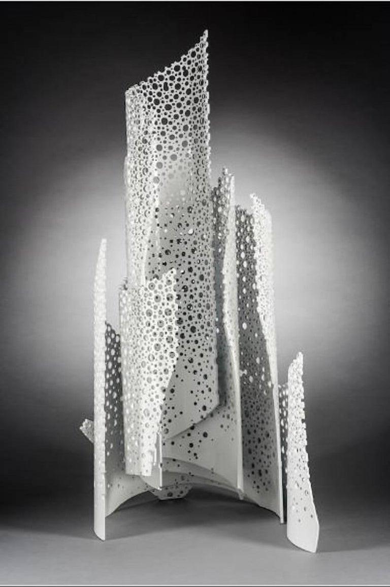 Many Winds, sculpture, pedestal, aluminum, movement, white, layered, standing  - Contemporary Sculpture by Michael Enn Sirvet