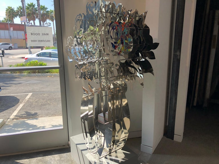 Vase of Roses - Mirrored Stainless 60 - Contemporary Sculpture by Michael Kalish
