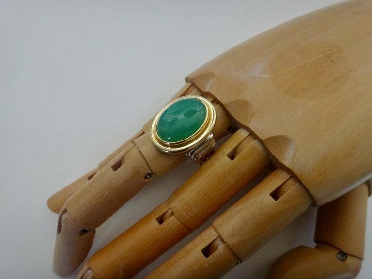Contemporary Michael Kneebone Chrysoprase Two-Tone 18 Karat Gold Ring For Sale
