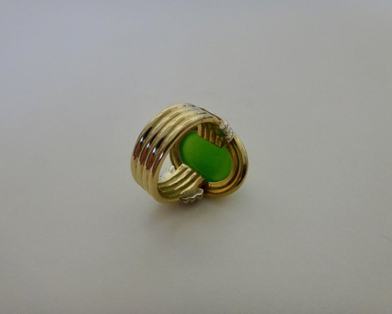 Michael Kneebone Chrysoprase Two-Tone 18 Karat Gold Ring For Sale 3