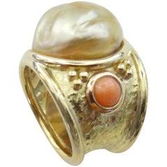 Michael Kneebone Golden Kasumi Pearl Pink Coral 18 Karat Gold Bombe Ring