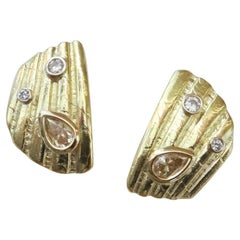 Michael Kneebone White Champagne Diamond 18 Karat Gold Shell Fragment Earrings