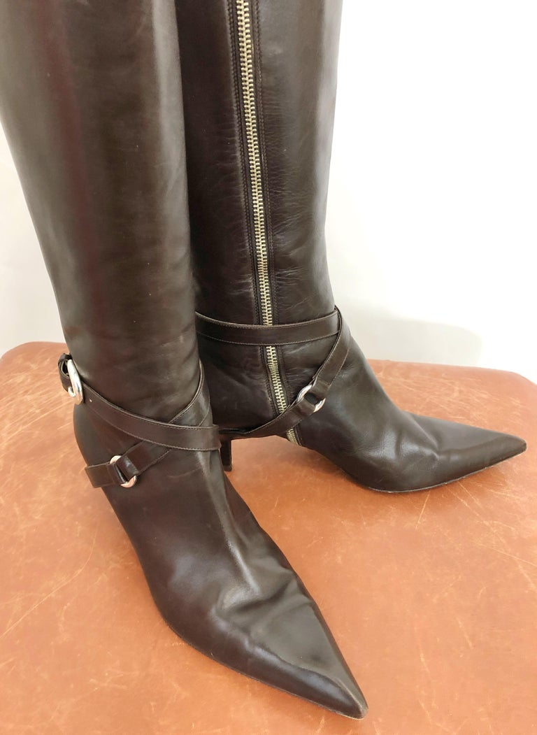 Michael Kors Collection Size 8 Chocolate Brown Leather High Heel Knee High Boots In Excellent Condition For Sale In Chicago, IL
