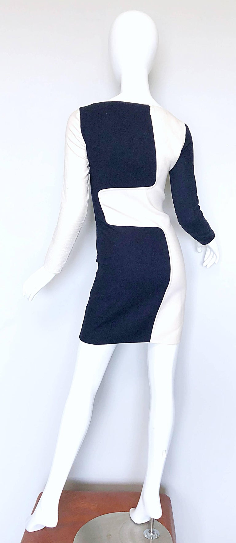 Women's Michael Kors Collection Spring 2013 Size 0 / 2 Navy Blue and White Puzzle Dress For Sale