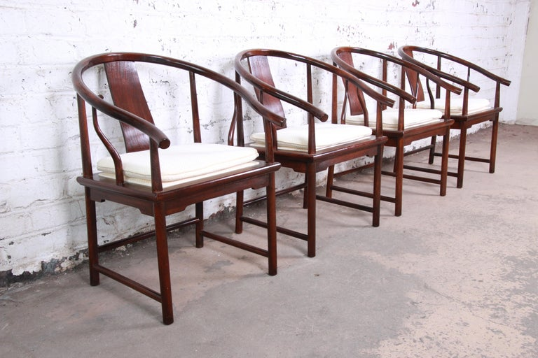 Michael Taylor for Baker Hollywood Regency Walnut Horseshoe Lounge Chairs, Pair For Sale 5