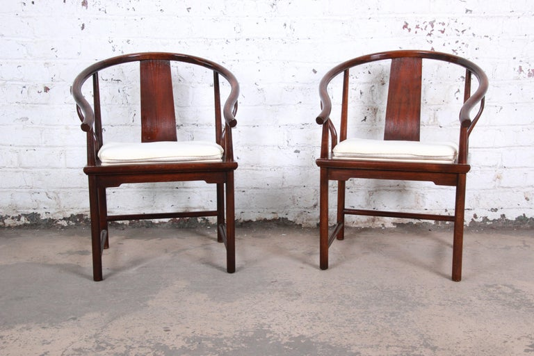 Chinoiserie Michael Taylor for Baker Hollywood Regency Walnut Horseshoe Lounge Chairs, Pair For Sale
