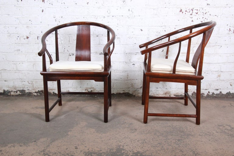 Michael Taylor for Baker Hollywood Regency Walnut Horseshoe Lounge Chairs, Pair In Good Condition For Sale In South Bend, IN