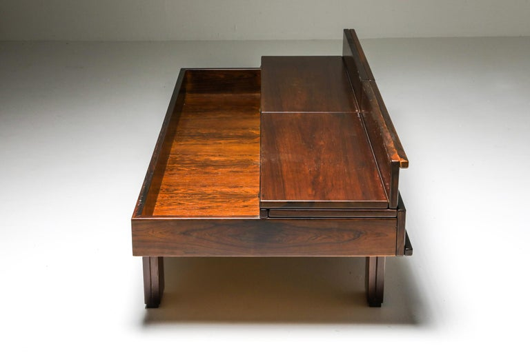 Michelluci Walnut Coffee Table with Storage In Excellent Condition For Sale In Antwerp, BE
