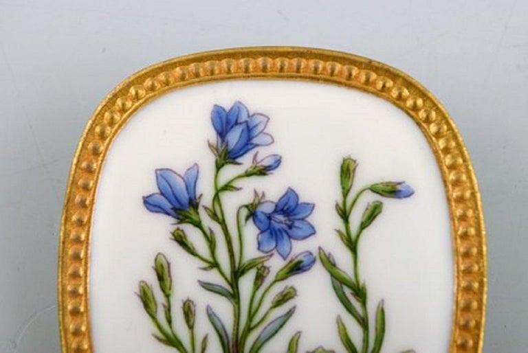 Michelsen for Royal Copenhagen, Flora Danica Porcelain & Sterling Silver Brooch In Good Condition In bronshoj, DK