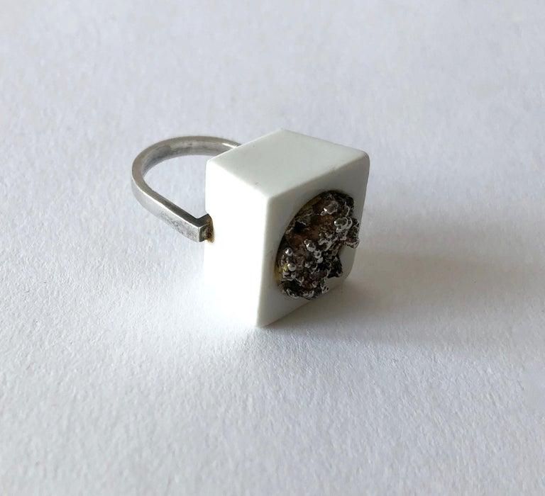 Michelsen Royal Copenhagen Porcelain Molten Sterling Danish Modernist Ring In Good Condition For Sale In Los Angeles, CA
