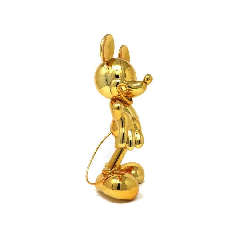 Ultra-design Mickey, metallic figurine  Measures: Height 11.8