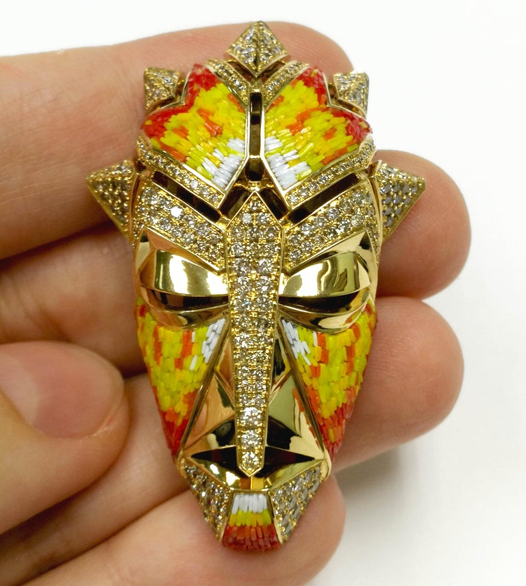 Micromosaic Champagne Diamonds 18 Karat Yellow Gold Shaman Mask Brooch In New Condition For Sale In Bangkok, TH