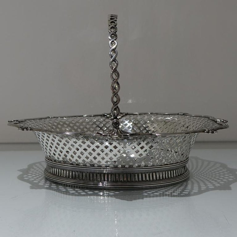 Mid-18th Century Antique George II Sterling Silver Cake Basket London 1751 Edwar In Excellent Condition For Sale In 53-64 Chancery Lane, London